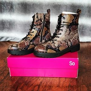 NWT SO Bowfin Snake Skin Print Combat Boots